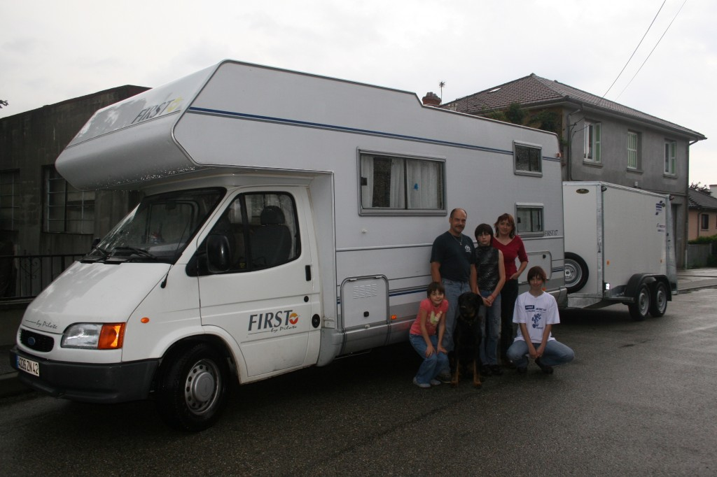 les bufards devant leur camping-car