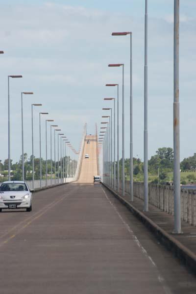 pont frontiere argentine uruguay